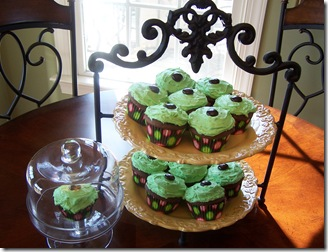 St. Pat&#39;s Cupcakes 046