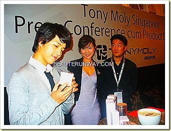 Tony Moly  Song Joong Ki Singapore Visit