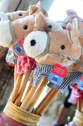 fazendinha Leo e Ana - cavalo de pelúcia
