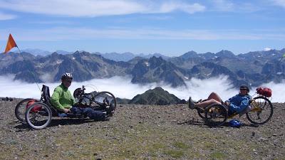Trike et Handbike à la fin de la piste du pic du Midi de Bigorre
