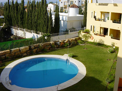 Community pool and garden - Penthouse/apartment for sale in Marbella, Lindasol