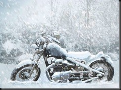 Motorcycle-in-Snow--37287