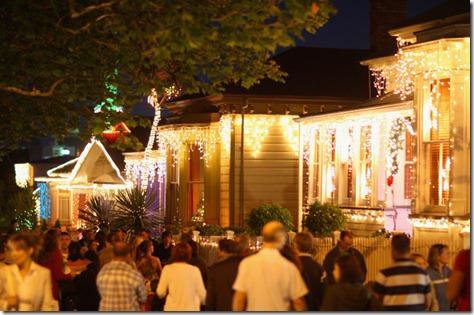 Auckland Residents Celebrate Festive Period P2o1H6LHO2al
