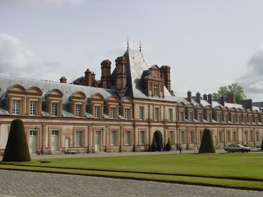 Click to enter Lyon, Fontainebleau & Beaujolais Wine Region Photos Page