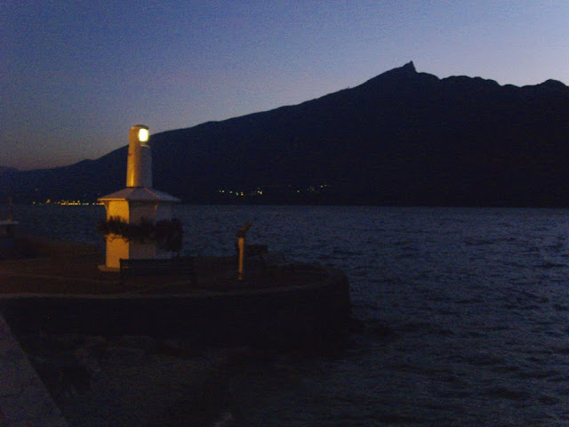 Le lac du Bourget by night