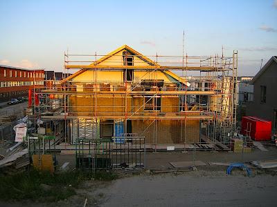 Ons nieuwe huis heeft een dak!