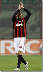 match-VS-Genoa-at-san-siro-stadium-2