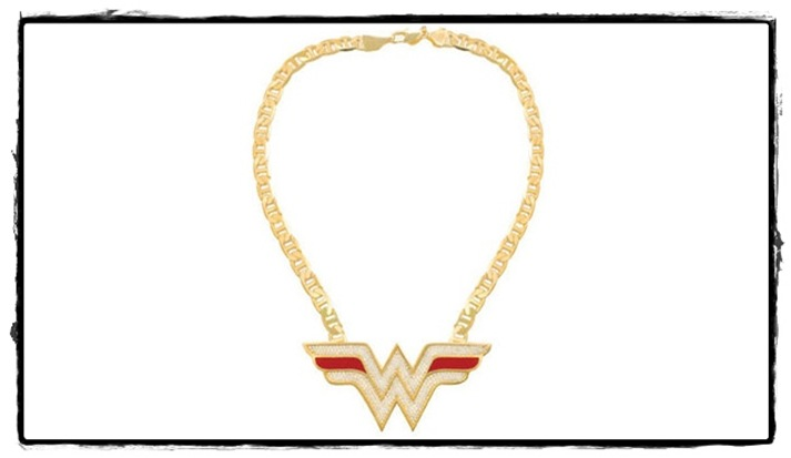 wonder_woman_necklace_5597