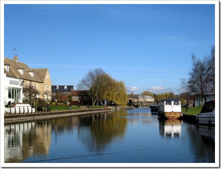 Ely in Winter. Plenty of moorings available here.
