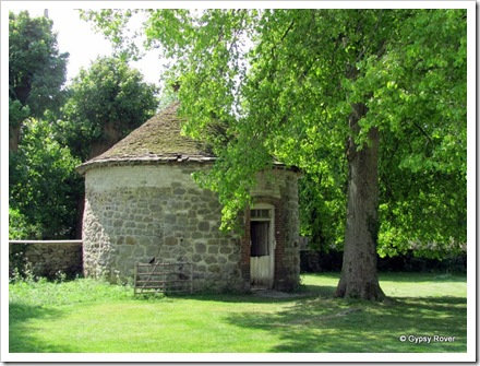 Avebury National Trust.  The village Dove cote.