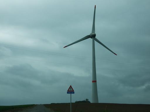 Onze éoliennes de 6MW à Estinnes ! - Page 3 DSCF4134.JPG