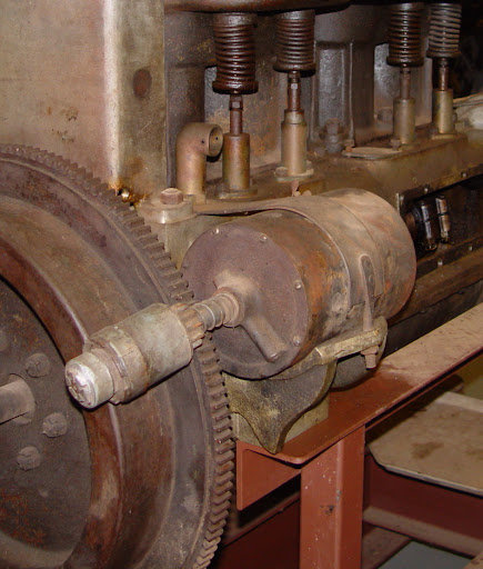 Dsc A on Wisconsin Engine Cylinder Head