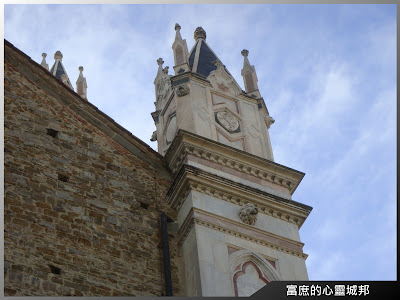 佛羅倫斯聖十字大教堂旁修道院一隅