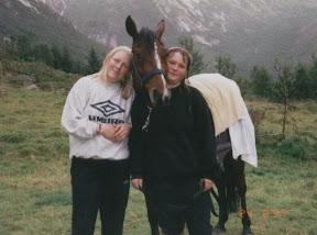 distanse4.jpg: Bente, Assu og Linda