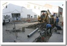 Aspecto de la confluencia de las calles Cristo y Darro en donde se están ejecutando los primeros trabajos de soterramiento de contenedores.