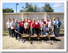 Grupo de personas que participó en la confeccion de la caldereta de toro.
