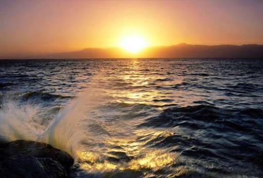 """ocean_sunrise"""