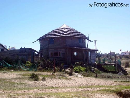 Cabaña-en-el-mar