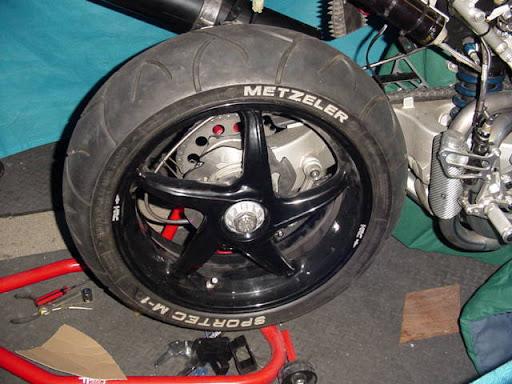 Honda RC 30 Image4