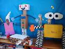Crianças apresentam robôs para a turma