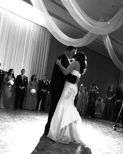 Avigail 39s blog Elegant two tier wedding cake indo muslim wedding bangla