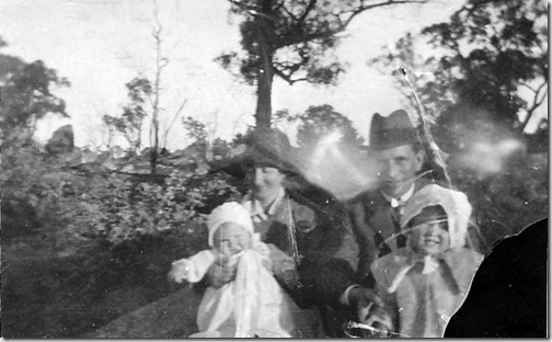 Inverell, Edna and Phyliis with Fa and Gran