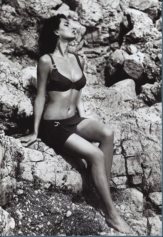 Catrinel-Menghia-Bella-Diva-2-1016x1024