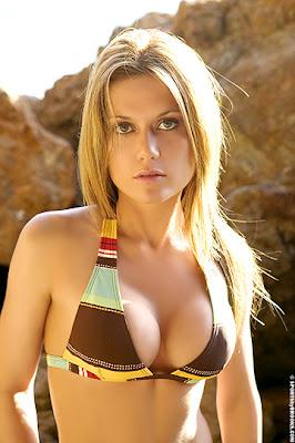 Very high resolution nude women