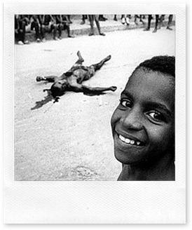 20080130_Guerra de T%C3%B3xicos, Favela Vila do Jo%C3%A3o, Rio de Janeiro, 1998 (teixeira)