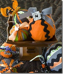 Creepy-Craft-Charm-Balls_full_article_vertical