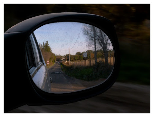 Défi 027 : paysage et miroir, pour voir hors-cadre P1110838