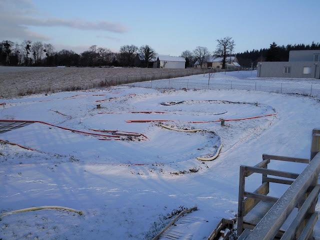 Le circuit sous la neige le 19.12.2009 Photo0856