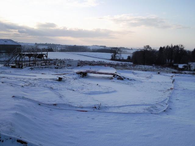 Le circuit sous la neige le 19.12.2009 Photo0860