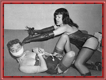betty_page_(klaws)_094