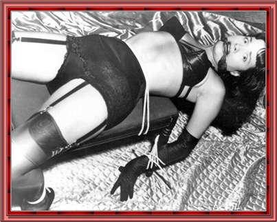 betty_page_(klaws)_078