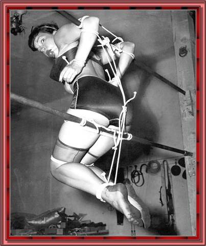 betty_page_(klaws)_086