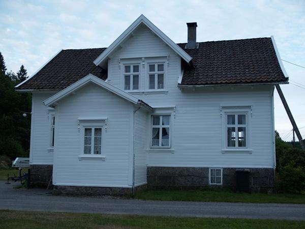 2010-07-09 Nymalt hus (4)