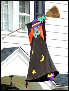 flag_witch_hanging_off_broo