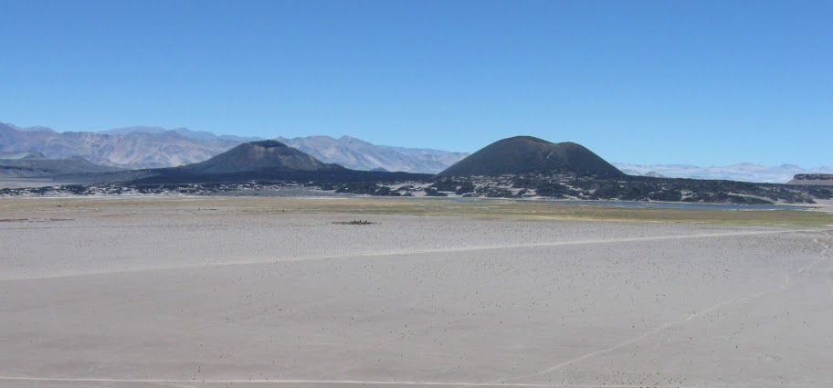 LEJARRETA EN LOS ANDES (2009) 11%2Cvolcanes%20Alumbrera%20y%20Antofagasta