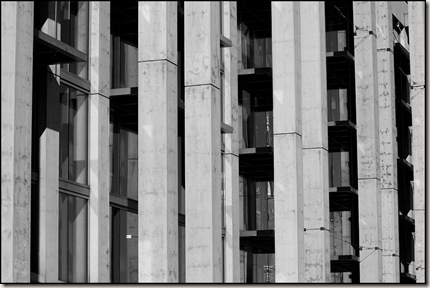 Repeating Lines || Canon EOS 50D/ EF 70-200mm f/2.8L @ 70mm | 1/1000s | f/9.0 | ISO200