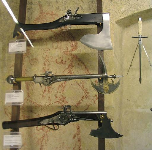 imagenes de armas raras y antiguas
