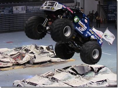 Monster Trucks 048
