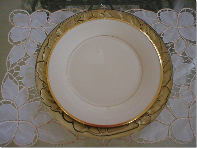 TT Lenox Eternal china plate