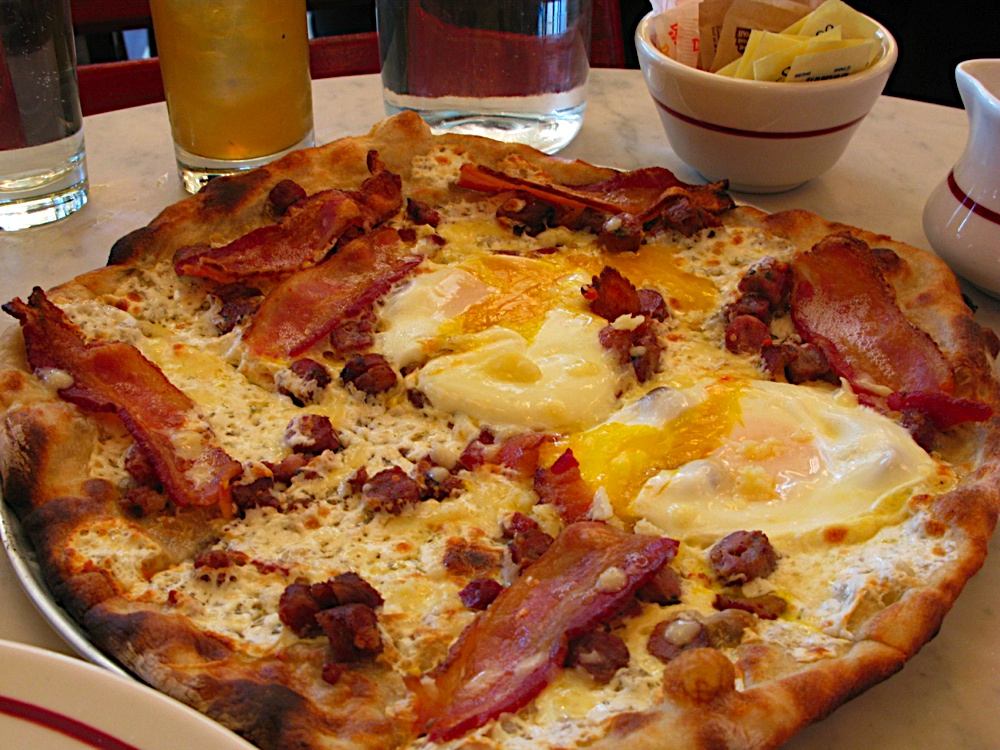Bacon Spinach And Eggs Breakfast Pizza With A Polenta Crust Good
