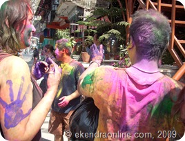 holi-festival-lakeside-tourists