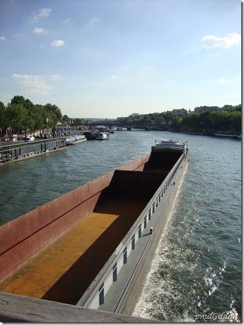 Péniche sur Seine