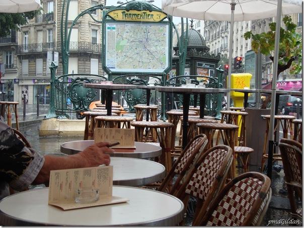 Mi Aout, Pluie, Paris