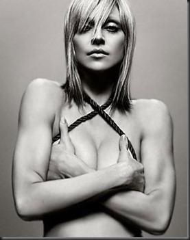 http://lh5.ggpht.com/_XGV3HDJsTRw/TZbE-m4IGMI/AAAAAAAAA7I/x3KVv2AUig4/Madonna%20Hot%20Candy%20Store%5B5%5D.jpg?imgmax=800