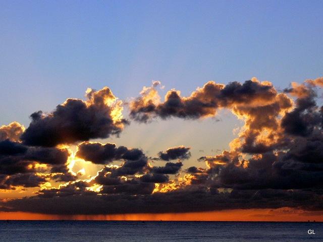 coucher de soleil plage 2050