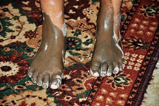 muddy feet 001